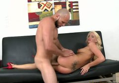 Seductive blond hottie with flossy ass desires to get her twat fucked doggy