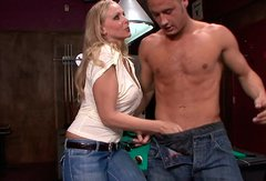 Voluptuous mature Julia Ann gives a head to long hard dick