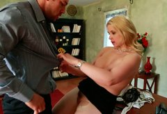 Bootylicious blond milf Sarah Vandella gives a head to her boss