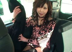 Salty milf Serika Kawamoto gets her beaver finger fucked in car