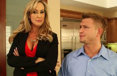 Buxom mature hottie Brandi Love gives a nice blowjob