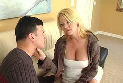 Superb blonde cutie Carolyn Monroe gives her lover a nice blowjob