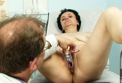 Doctor playing with a mature hairy snatch of Miriam