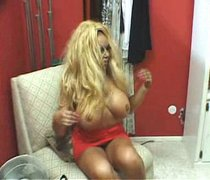 Ugly fat slut Pamela Peeks seduces the guy and gives him a head
