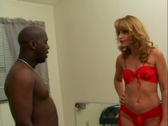 Deliciosu milf blondie Kami opens her legs for the black man