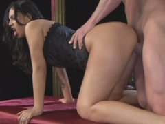 Bootylicious sexy brunette in corset Ice La Fox is ready to be fucked doggy