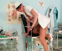 Kinky nurse performs  her worn out pussy