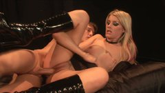 Mesmerizing blond bitch Lacie Heart gets a zealous tongue fuck