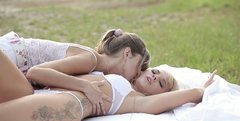 Mesmerizing hot babes gonna please each other while being outdoors