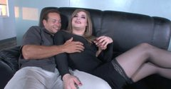 Luxurious shemale Tiffany Starr gives amazing blowjob