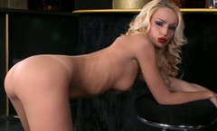 Sexy blondie Erica Fontes rubs her pierced pussy in the duck club