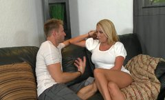 Busty cock hungry blond bitch gets her wet juicy pussy licked