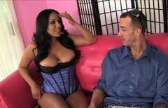 Wondrful blowlerina Kiara Mia pleases the fat and strong shlong of Chris Strokes