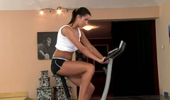 Melissa Ria gets naked and horny after working out in the gym