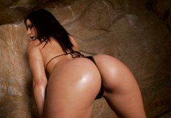 Sweaty brunette Ann Marie Rios masturbates in the cave