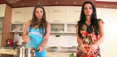Fabulous housewives Aletta Ocean and Zafira make a soup together