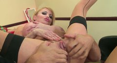 Not pretty mature slut Taylor Wane gets her old quim drilled bad