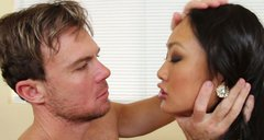 A gorgeous asian masseuse Evelyn Lin gives a head to her client