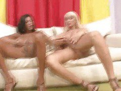 Two hot shemale babes fuck and suck each other