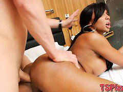 2 busty TS Ariadny and Michelly analyzed with one lucky guy