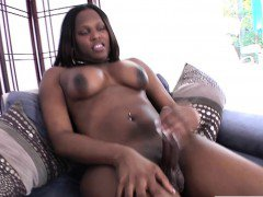Ebony tgirl Brownie blows her load