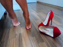 huge marla in cam shows do super to lesdom with oil w