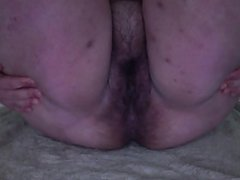 BBW with hairy snatch playing on cam