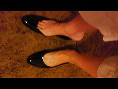 mature feet shoe fetish