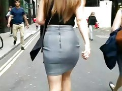 Sow Motion - Great legs and Arse