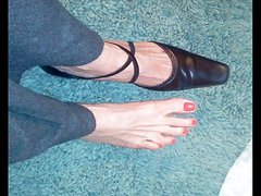 sexy mature foot shoe fetish