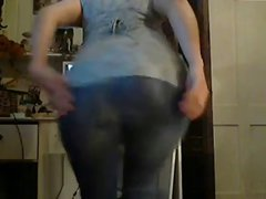 Amazing girl with big booty masturbates