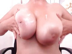 Webcams 2014 - Italian w Plump Tits 3: Dildo