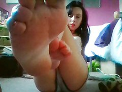 HUMILIATION CUM COUNTDOWN FOOT JOI