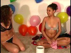 Party real amateurs licking pussy for a dare