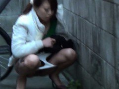 Japanese watersports lady pees in public