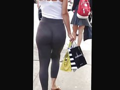 Candid girl in tight leggins- jiggle