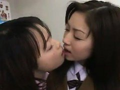 Japanese Girls Making Out