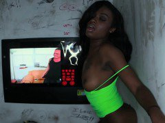 Lexxi Deep shows pink at the glory hole