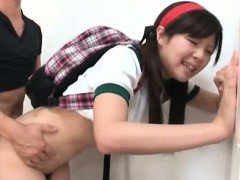 Teen jap school cheerleader takes a big load in her mouth