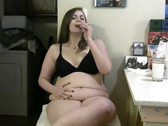 DoughBelly BBW Devours Milk & Cookies!