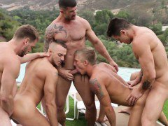 Jessie Colter and pals have outdoor orgy