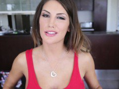 August Ames likes to show how her blowjobs can be deep