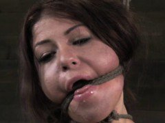 Cleave gagged sub using a spreader bar