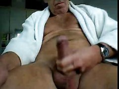 Big Dick moustache daddy jerking for me