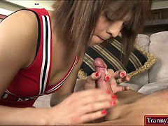 Cheerleader shemale Kendra Sinclaire screwed by her coach
