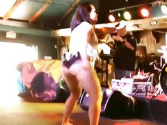 MILF PAWG SHAKES FAT SLUTTY ASS ONSTAGE