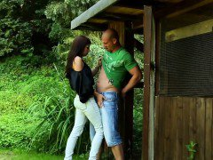 Weird skanks outdoor pee