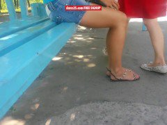 Candid sexy feet and legs in sandals at bus stop no face from dates25.com