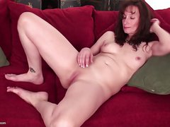 Shemale Massive Huge Cumshots From Herself & Her Boyfriend