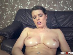 Squirting Girl Thick All-Natural